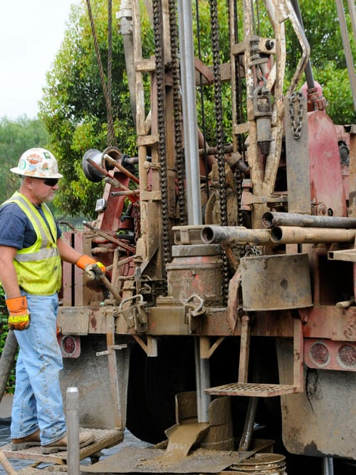 The exploratory drilliWorker demonstrates soil test drilling at news conference held in Westwood on Aug. 20, 2009. ngs are a key part of the planning and environmental process for the proposed Westside Subway Extension, a regionally beneficial Measure R transportation project. Photo by Gary Leonard.