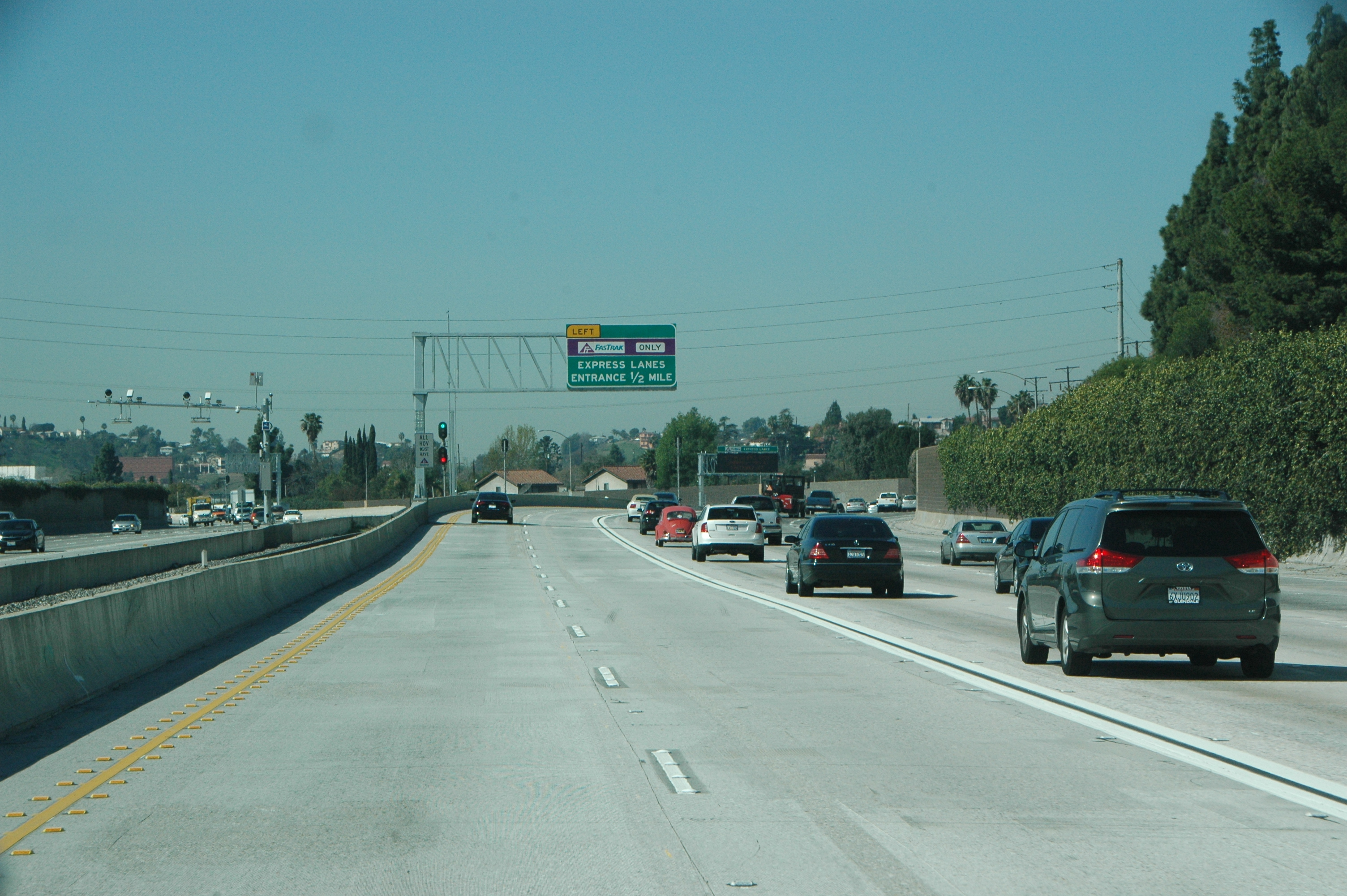 A look at the soon-to-be ExpressLanes on the eastbound 10 freeway. Photo by Anna Chen/Metro.