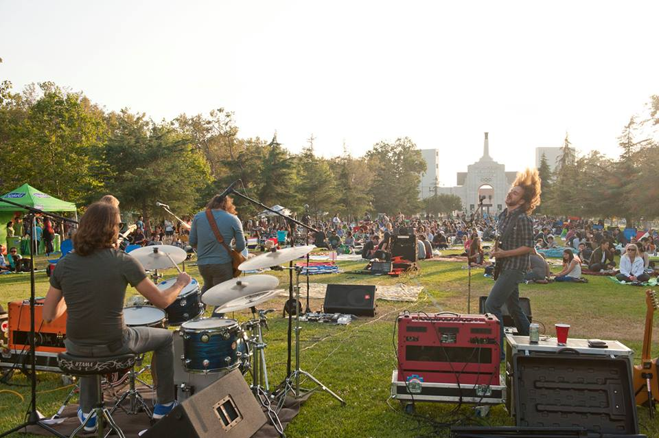 See live bands perform before movie screenings! Photo from Street Food Cinema Official Facebook