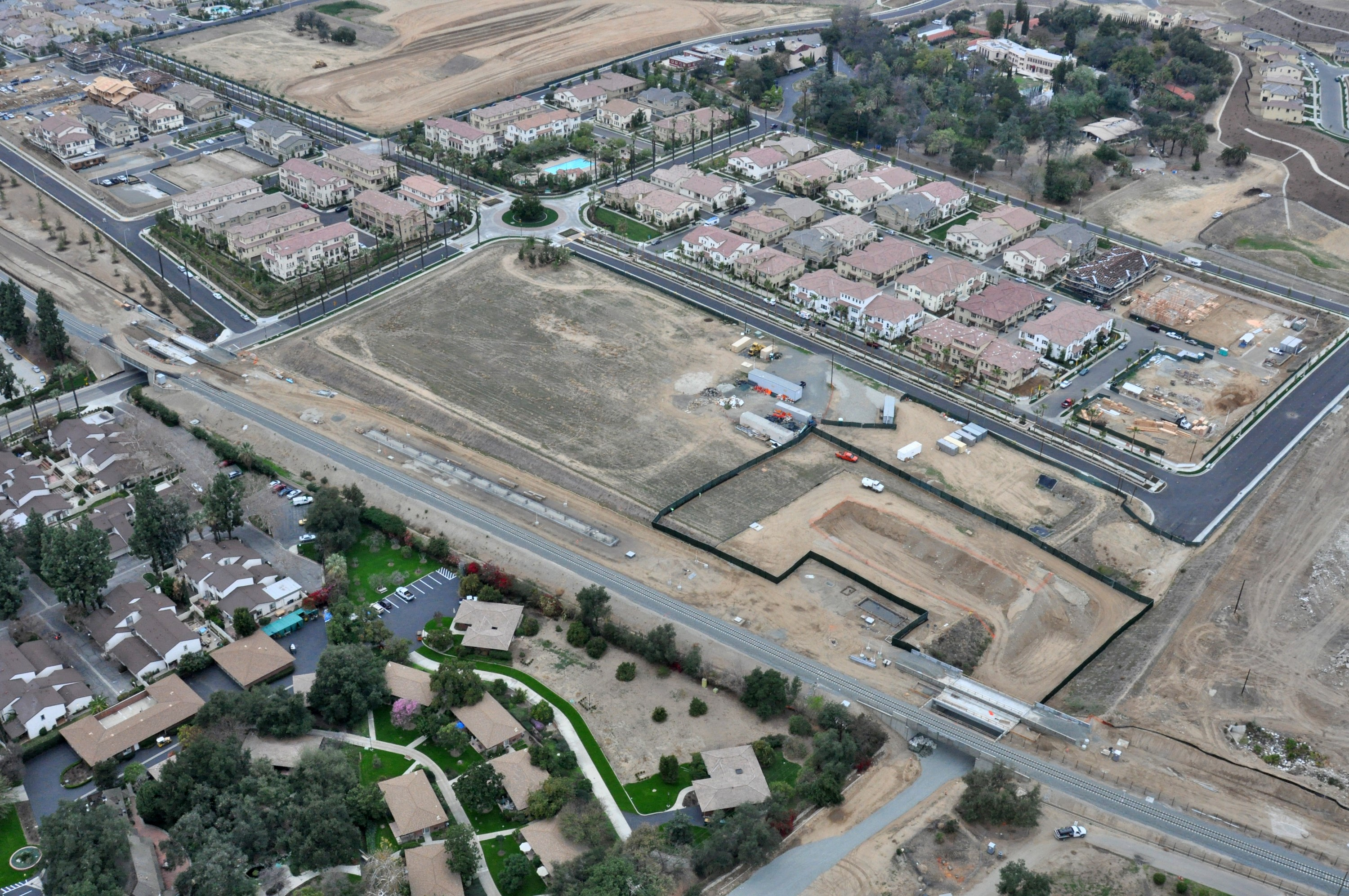 Citrus_College-APU_Station_and_Parking_-_aerial