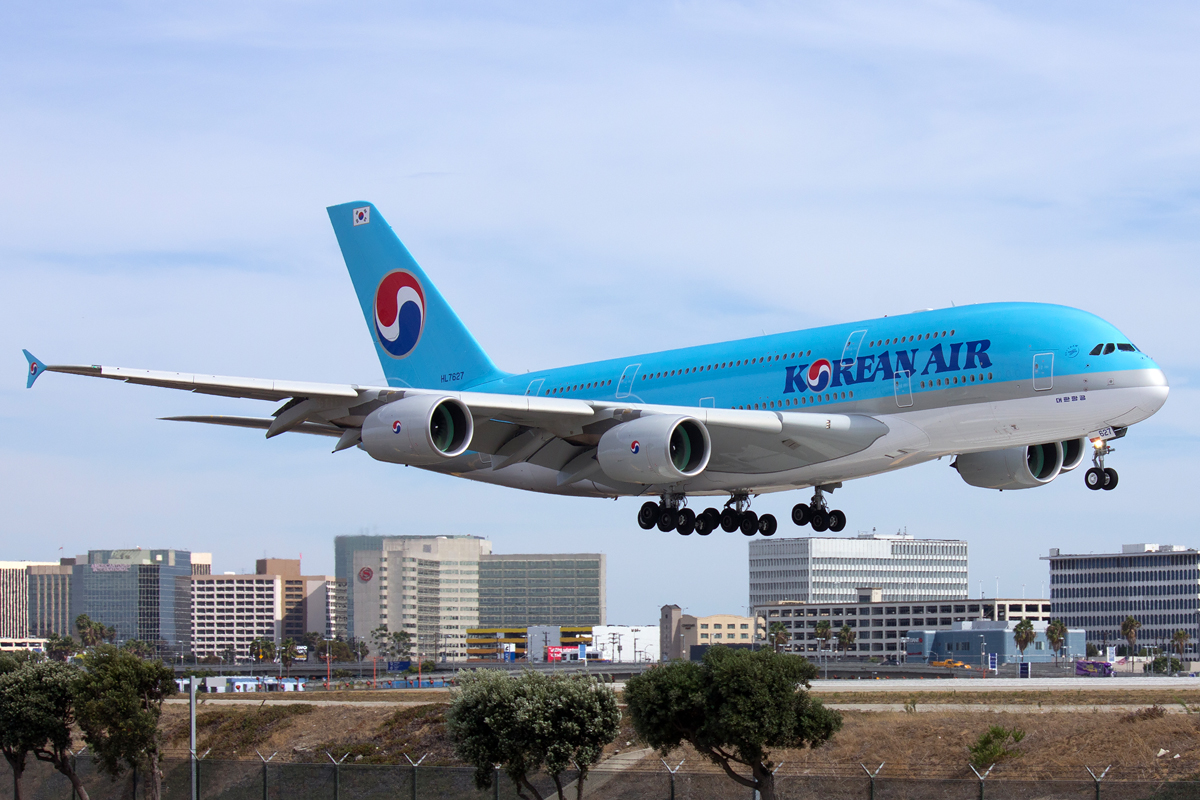 A Korean Air A380, one of the most efficient passenger planes currently in service, takes off from LAX. Photo via Flickr user Charlie_tj.