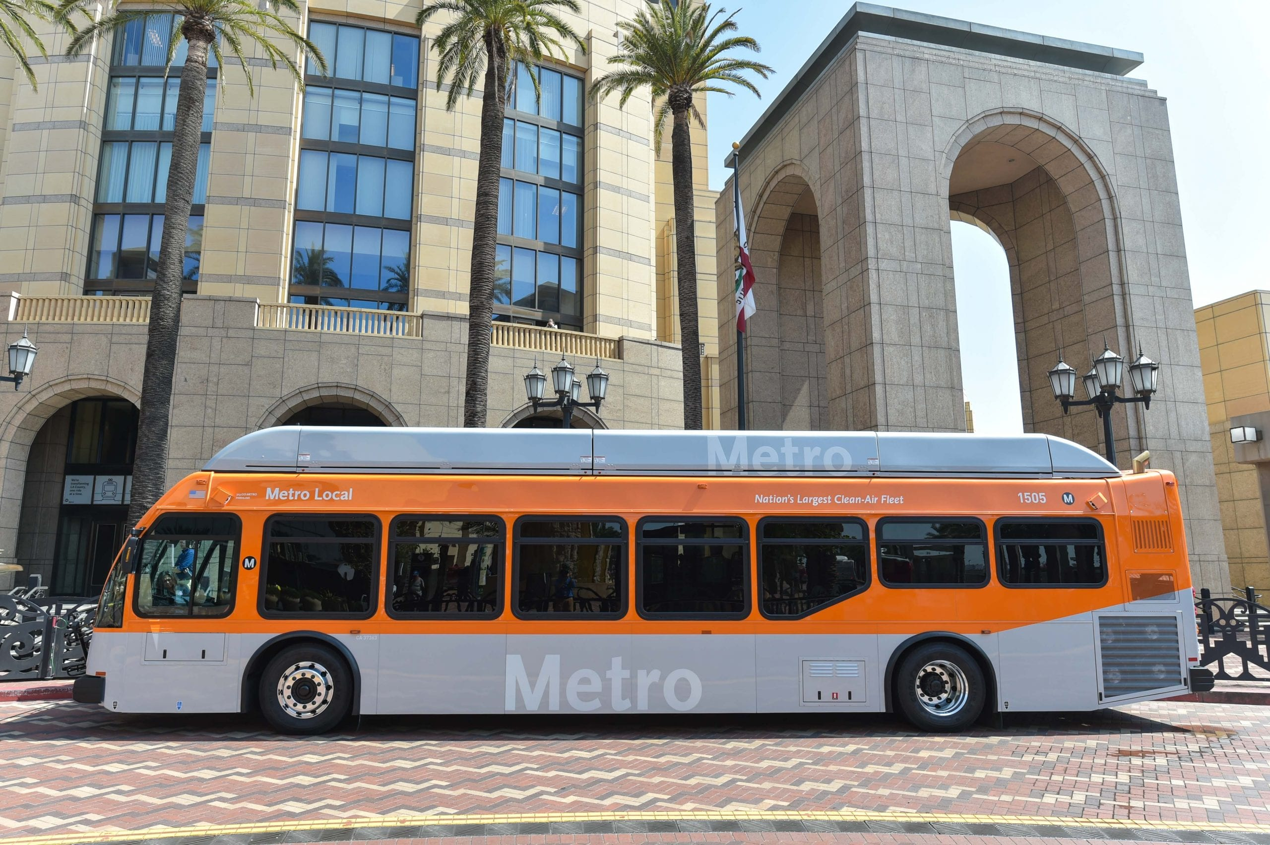 Metro Takes Delivery Of First Bus With Usb Chargers The